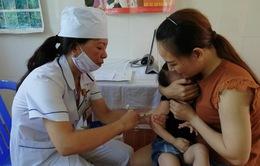 Cấp bổ sung vaccine sởi  - rubella cho Lào Cai