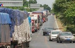 Bão Sơn Tinh gây cản trở giao thông tại Trung Quốc