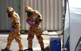 Tổ chức Cấm vũ khí hóa học thu thập các mẫu thử tại Amesbury