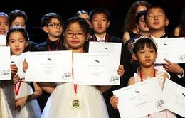 Bé gái Việt 7 tuổi giành giải nhất cuộc thi tài năng tại Mỹ