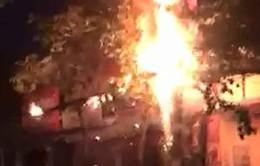 Bình Định: Cháy trụ điện khiến 600 hộ dân bị mất điện
