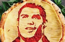 Đắt hàng bánh pizza hình Ronaldo & Suarez