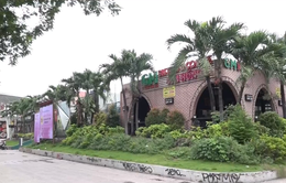 """Hàng loạt công viên bị """"xẻ thịt"""" ở TP.HCM"""