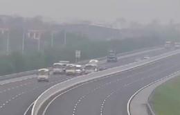 Xử lý nghiêm 3 xe khách dàn hàng ngang trên cao tốc Hà Nội - Hải Phòng