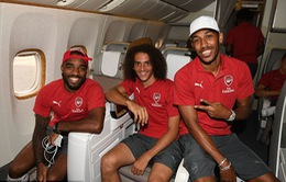 Sao Arsenal hồ hởi lên chuyên cơ hạng sang bay đến Singapore du đấu