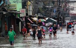 Người dân Philippines vật lộn sau đợt bão lũ kéo dài