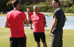 """Ibrahimovic bóng gió về """"bom tấn"""", fan Man Utd khấp khởi mừng thầm"""