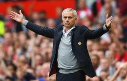 """Quỷ đỏ huyền thoại về phe Mourinho, chỉ trích """"thượng tầng"""" Man Utd"""
