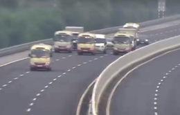 Triệu tập 3 lái xe khách dàn hàng trên cao tốc Hà Nội - Hải Phòng
