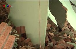 Sạt lở đất tại Lâm Đồng vùi lấp nhiều nhà dân