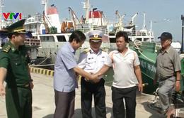 Cứu 7 ngư dân Phú Yên gặp nạn trên biển vào bờ an toàn