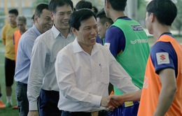 Bộ trưởng Nguyễn Ngọc Thiện thăm và động viên ĐT U23 Việt Nam
