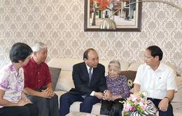 Thủ tướng Nguyễn Xuân Phúc thăm các gia đình chính sách