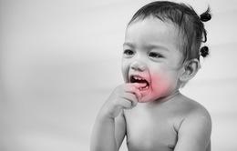 Tai sao lại bị đau khi mọc răng?
