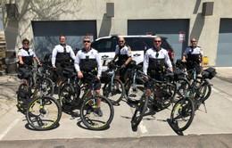 Xe đạp điện hỗ trợ cảnh sát vừa chống cướp vừa chống ô nhiễm