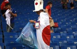 Thua bi kịch trước Bỉ, CĐV Nhật Bản vừa khóc, vừa nhặt rác trên khán đài