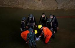 Giải cứu đội bóng Thái Lan ra khỏi hang: Có thể mất tới 4 tháng