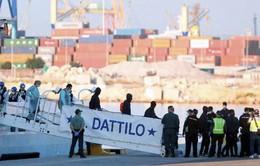 Tây Ban Nha giải cứu gần 1.000 người di cư trên biển