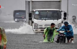 Một số tuyến đường tại Hà Nội ngập sâu