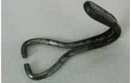 Gắp móc sắt trong thực quản bé 26 tháng tuổi