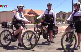 Mỹ: Cảnh sát tuần tra bằng xe đạp điện