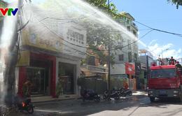 Thừa Thiên Huế: Cháy trụ điện giữa trời nắng 40 độ