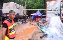 Nỗ lực giải cứu đội bóng thiếu niên ở Thái Lan