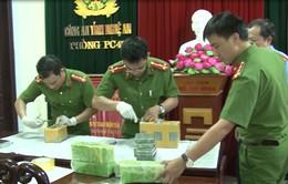 Nghệ An triệt phá đường dây mua bán 19 bánh hêrôin