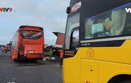 Va chạm liên hoàn giữa 3 xe khách giường nằm và xe tải ở Bình Thuận