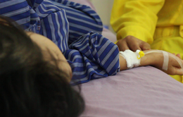 Bệnh mùa nắng nóng và cách phòng tránh cho trẻ