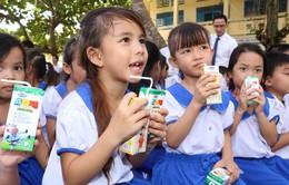 Vinamilk và 76.500 ly sữa nhân ái với trẻ em tỉnh Vĩnh Long