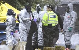Vụ hai công dân Anh bị nhiễm độc: Nạn nhân đã cầm vật dính chất độc