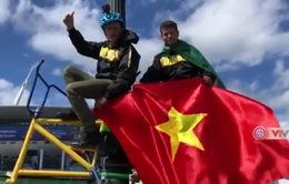 Phóng viên Thể Thao VTV tác nghiệp tại Nga: Cha và con đạp xe cổ vũ World Cup 2018