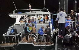 Lật tàu du lịch ở Phuket, Thái Lan: Ít nhất 1 người thiệt mạng, 53 người vẫn mất tích