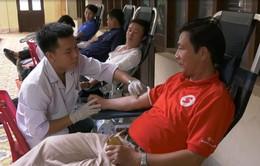 """Hơn 700 tình nguyện viên tham gia hiến máu ngày """"Giọt hồng đất lửa"""""""