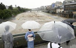 Nhật Bản sơ tán hàng trăm nghìn người dân đề phòng sạt lở đất
