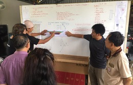 Các tình nguyện viên giúp sức giải cứu đội bóng thiếu niên Thái Lan