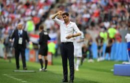 """Fernando Hierro chính thức """"bỏ rơi"""" tuyển Tây Ban Nha"""