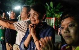 Niềm vui vỡ òa khi 4 cầu thủ đầu tiên của đội bóng Thái Lan được giải cứu