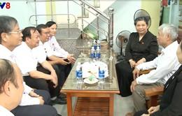 Phó Chủ tịch Quốc hội Tòng Thị Phóng thăm gia đình chính sách tại Đà Nẵng