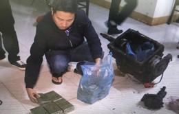Đắk Lắk: Bắt giữ đối tượng vận chuyển 22 bánh heroin