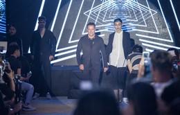 Michael Owen trình diễn thời trang cùng dàn mẫu Việt
