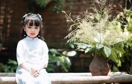 """Cô bé 5 tuổi  """"đốn tim"""" dân cư mạng với đôi mắt đẹp như thiên thần"""