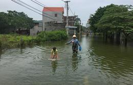 Ngập lụt ở Chương Mỹ: Gian nan đường tới trạm xá
