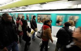 Pháp: Hàng trăm người phải sơ tán khỏi ga tàu điện ngầm do mất điện