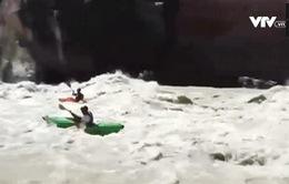 Đua thuyền Kayak mạo hiểm tại Ấn Độ