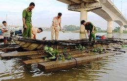 Báo động tình trạng vận chuyển gỗ lậu trên sông