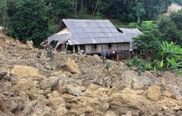 Kon Tum: 200 hộ dân mất nhà cửa do sạt lở đất