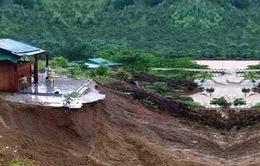 200 hộ dân ở Kon Tum mất nhà cửa do sạt lở đất