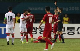 """Cựu trọng tài FIFA: """"Cầu thủ Bahrain việt vị là chính xác, thẻ đỏ hơi nặng"""""""